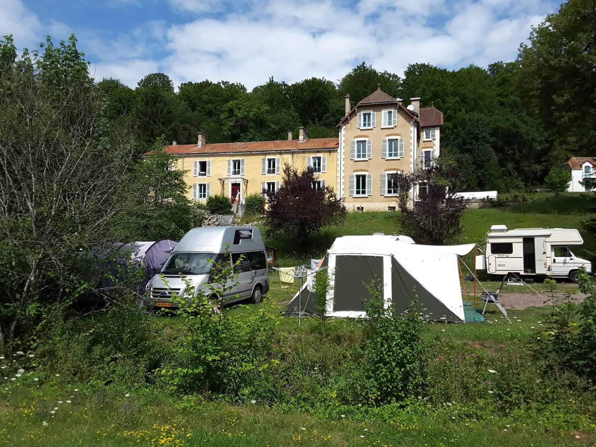 Groene Landgoedcamping In De Haute Marne